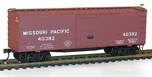 36' Double-Sheathed Wood Boxcar w/Steel Roof, Wood Ends, Fishbelly - Kit -- Missouri Pacific #40382 (Boxcar Red) ()