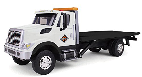 First Gear 1/24 Scale Plastic Toy Navistar International WorkStar with Slideback Carrier inducing Lights & Sounds ()