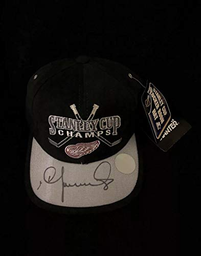 Igor Larionov Signed Detroit Red Wings 1998 Stanley Cup Locker Room Hat - Autographed NHL ()