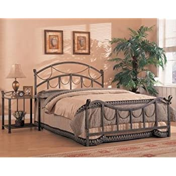 Amazon Com Coaster Iron Bed Queen Brass Kitchen Amp Dining