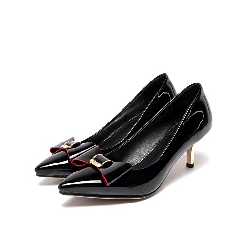 VogueZone009 Women's Solid Blend Materials Low-Heels Pull-On Pointed Closed Toe Pumps-Shoes Black TmOUeotXD