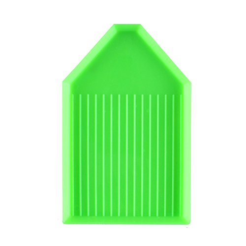 (24Pcs Plastic Bead Sorting Trays Box Triangle DIY Diamond Painting Cross Stitch Tool for Art Craft Project 3.6 x2.3 inch Green)