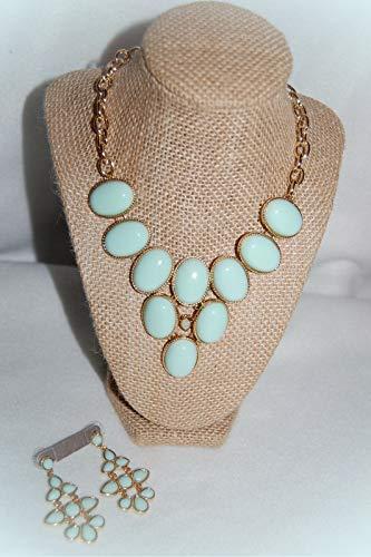 - Costume Jewelry Set MINT GREEN BEADS Gold Tones 2.25