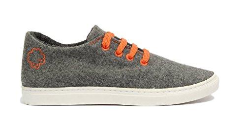 Baabuk Classic Sneaker - Men's Light Grey/Orange, 44.0