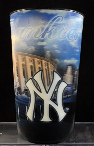 2015 New York Yankee Stadium Hologram/3D Beverage Cup - 32 Ounces (Cup Hologram)