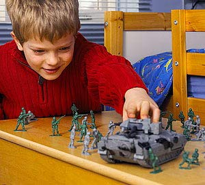 124-Pieces World War II Toy Soldiers Combat Special Forces Liberty Imports Army Men Military Action Figures Bucket Playset Soldiers and Vehicles
