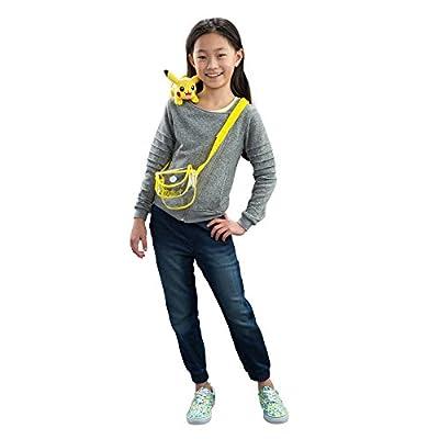 Pokémon Petite Pals Shoulder Plush, Pikachu: Toys & Games