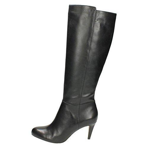 Carlita Charm - Black Leather