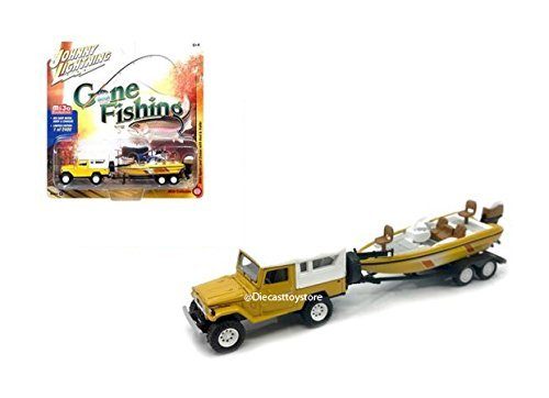 Johnny Lightning 1:64 Gone Fishing 2017 Version B - 1980 Toyota Land Cruiser with White Soft Top, Boat & Trailer - MiJo Exclusives from Johnny Lightning