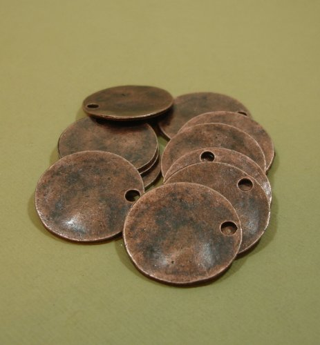 (BeadsTreasure 10 Pcs- Antiqued Copper Plated Wavy Disc Stamping Blanks Tag Charms Round for Jewelry Making.)