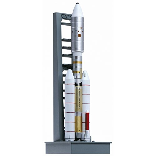 - Dragon Models 1/400 Titan IIIE with Launch Pad