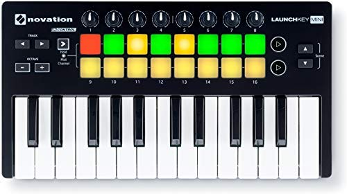 (Novation LAUNCHKEY MINI MK2 25 Key USB Keyboard Controller+Headphones)