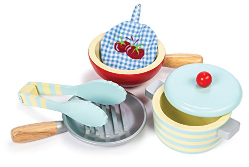 Letterland Le Toy Van Honeybake Wooden Pots and Pans Set