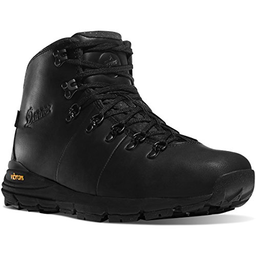 Danner Men's Mountain 600 Boot Round Toe Black 7 D by Danner