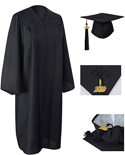 GraduationRoyal Unisex Adult Matte Graduation Gown Cap Tassel with 2018 Year Charm For High School and College Bachelor Black