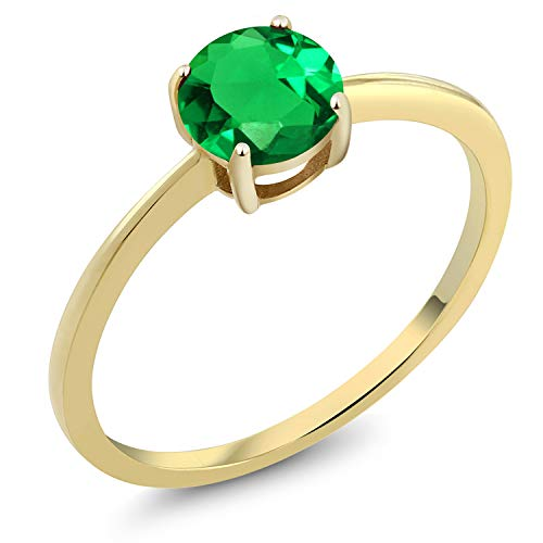 Gem Stone King 10K Yellow Gold 0.77 Ct Round Green Simulated Emerald Gold Solitaire Engagement Ring (Size 6) ()