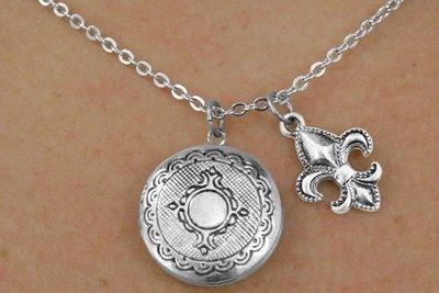 er Finish Locket with Fleur De Lis Charm Necklace ()