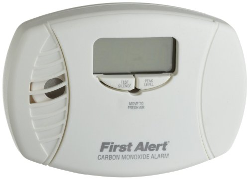 First Alert CO615 Carbon Monoxide Plug-In Alarm with Battery Backup and Digital Display (2 Pack)