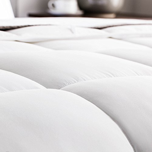 WEEKENDER Quilted Down Alternative Hotel-Style Comforter - Use as Duvet Insert or Stand-Alone Comforter - Hypoallergenic - Great for All Seasons - Corner Duvet Tabs - Queen - Classic White