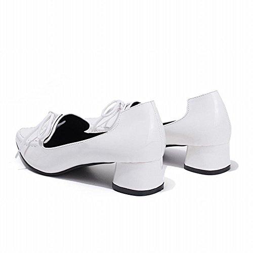 Latasa Kvinna Mode Chunky Låg Klack Pekade Tå Loafers Med Skosnöre Dekorerade Vit