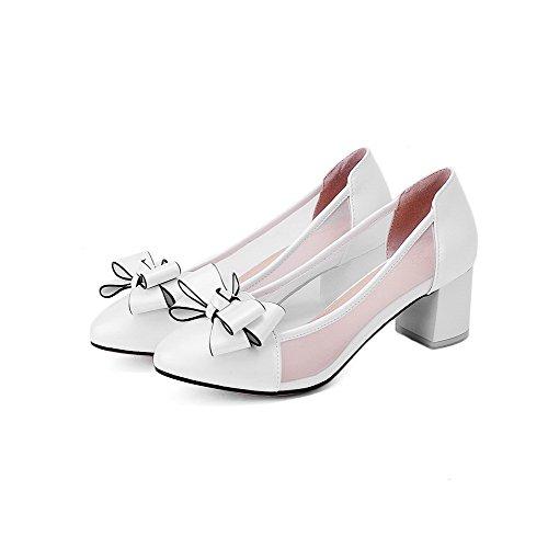 AllhqFashion Damen Rein Blend-Materialien Mittler Absatz Ziehen auf Rund Zehe Pumps Schuhe Weiß