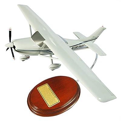 Mastercraft Collection Cessna Model 182 Skylane Scale: 1/36