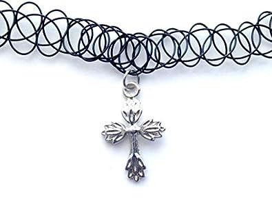 c51570f4c9ad Encanto del collar de gargantilla de estiramiento de la Cruz de tatuaje  Retro negro Henna Vintage 80s 90s elástico de Bohemia  Amazon.es  Joyería