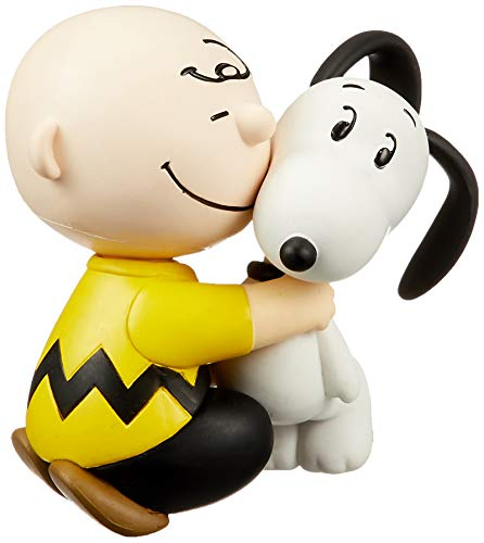 Medicom Peanuts: Charlie Brown & Snoopy Ultra Detail Figure]()