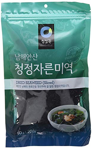 Dried Seaweed (Sea Mustard), Pre-cut for Soup and Salad (1.76 Oz) By Chung-Jung-One (Food Seaweed Salad)