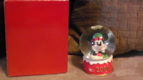 Mickey Mouse Snowglobe - Disney Mickey Mouse 2009 Christmas Snowglobe from JC Penney