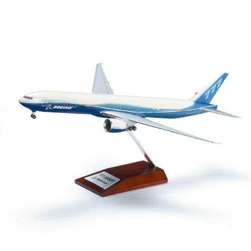 777-300er-snap-together-model-with-wood-base