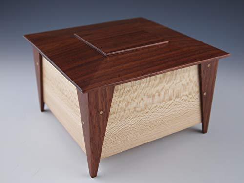 (Small wooden keepsake box, jewelry box, stash box)