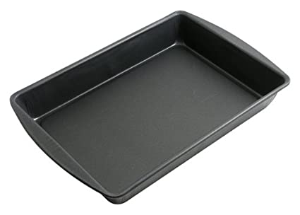 G& S Metal Products ProBake Teflon Platinum 14-1/2-By-10-1/2-By-2-Inch Roasting Pan PB79