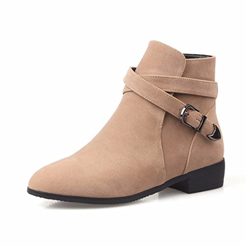 A pointed square, a low heel, a big yard, a short boot apricot