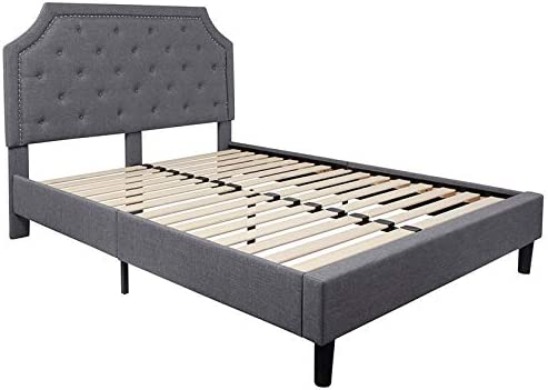 EMMA OLIVER Queen Size Arched Tufted Platform Bed