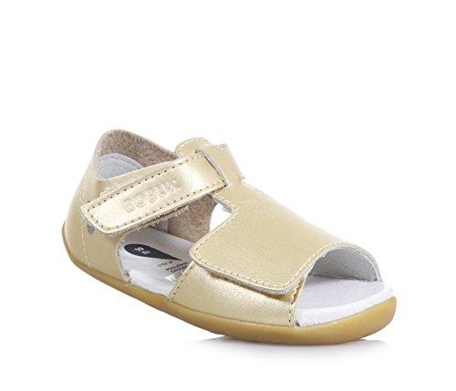 BOBUX - Sandale Step Up Mirror dorée en cuir, made in New Zealand, idéale pour les premiers pas et pour ramper, bébé fille