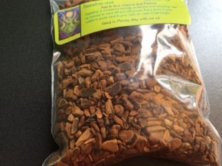 (1/2 Ounce Sassafras bark ~ 14 Grams ~ Spells ~ Wicca ~ Ravenz Roost Herbs with Special Info on Label)