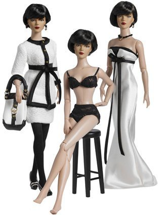 Deluxe Tonner Doll - Deluxe Tyler Wentworth Signature Style Gift Set by Tonner Dolls by Tonner Dolls