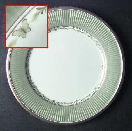 FITZ & FLOYD Classique Papillion ~Set/2 Dinner Plates 10 3/4~ EXCELLENT Condition~Mint Green Rim, Butterflies, Gold Trim ~Discontinued 2000-2002