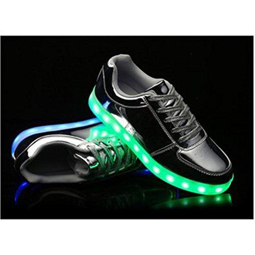 (Present:kleines Handtuch)JUNGLEST® Unisex Damen Herren USB-Lade LED leuchten Glow Schuhe Luminous Sportschuhe Lovers Flashing Tu Silber