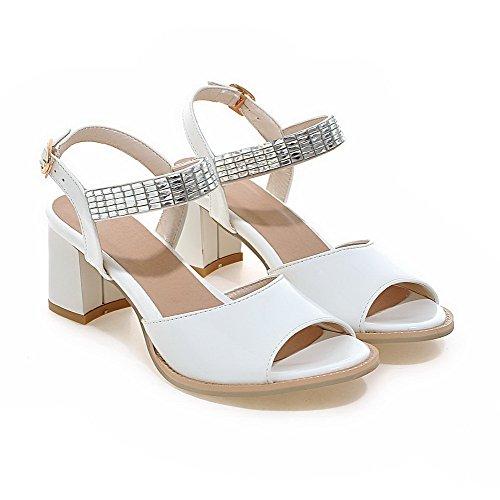 AmoonyFashion Womens Buckle Kitten-Heels PU Solid Open-Toe Sandals White LVD1CSh