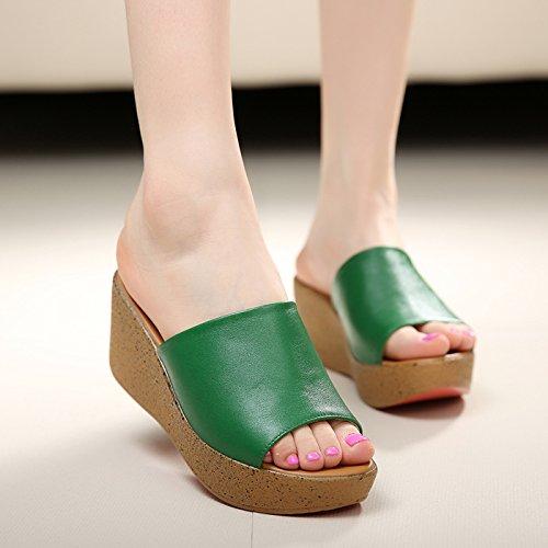 AWXJX Saison d'été Tongs Femme Chaussures Couverture en pente à fond épais fond mou antidérapante talons moyens occasionnels Green axIPKw9yU