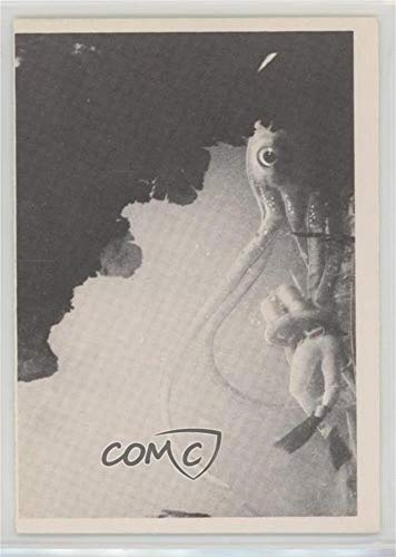Attack of the Giant Squid (Trading Card) 1964 Voyage to the Bottom of the Sea - [Base] #21