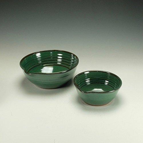 Stoneware mixing bowl set. Copper green. (Spouted Bowl)