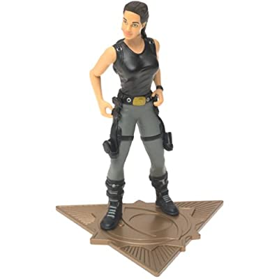 2001 Tomb Raider Lara Croft in Tomb Raiding Gear Action Figure: Toys & Games