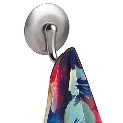 mDesign Gancho autoadhesivo para colgar toallas - Colgador de pared para baño - Gancho adhesivo,