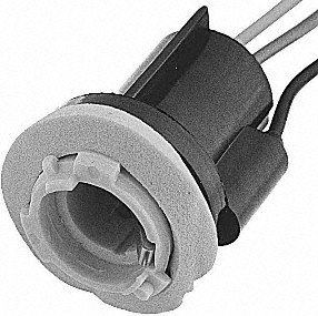 Standard Motor Products S77 Pigtail/Socket ()
