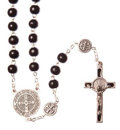 9ad02c5fad1 Cuentas de rosario de San Benito Cruz. Medallas de San Benito Rosario  Rosario de San Benito Rosario de madera en color negro.  Amazon.es  Hogar