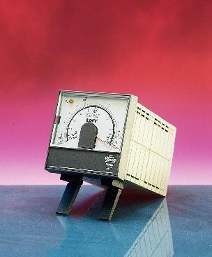 Analog Vacuum Gauge - D02428000 - Model PRE10K Vacuum Gauge Head - Vacuum Gauges, Analog Pirani, 500 Series, Edwards - Each