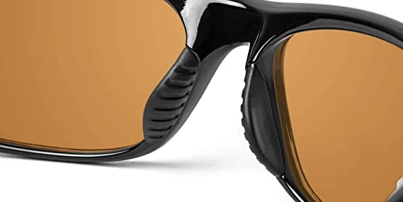 6bbee30cb61 Amazon.com  Ono s Carabelle Polarized Bi-Focal Sunglasses in Black with  Amber Tinted Lens  Clothing